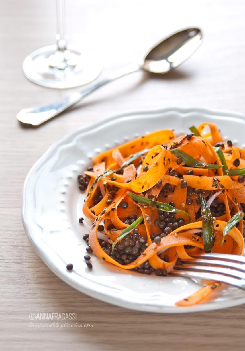 Insalata marocchina di carote e lenticchie nere di Anna de L'ennesimo blog di cucina