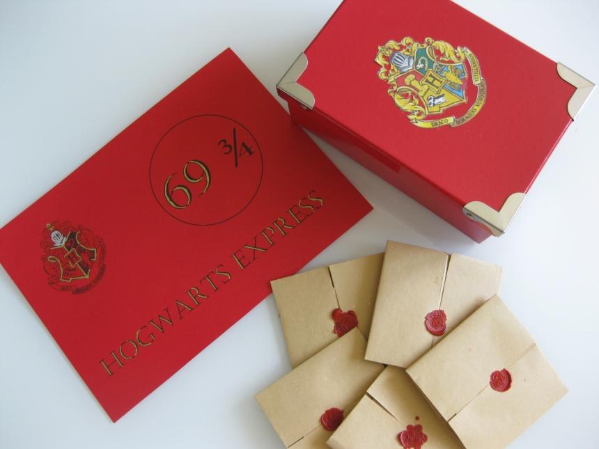 Cartello Hogwarts Express, lettere e scatola torneo tre maghi