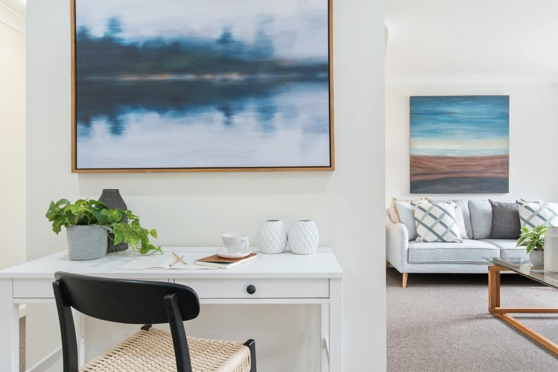 interno di una casa con vista sul soggiorno